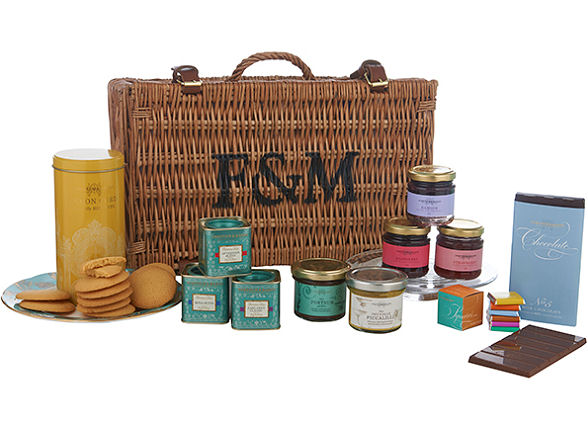Fortnum & Mason (shooting) Afternoon Tea Hamper. Prod.Ref.#1