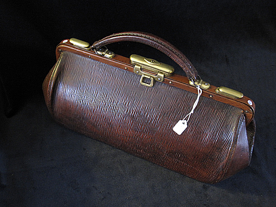 Antique Gladstone Travel Bag. Ref.#.3a.