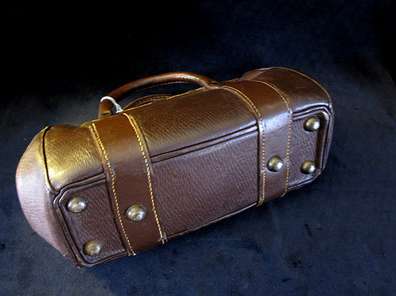 Antique Gladstone Travel Bag. Ref.#.1a.