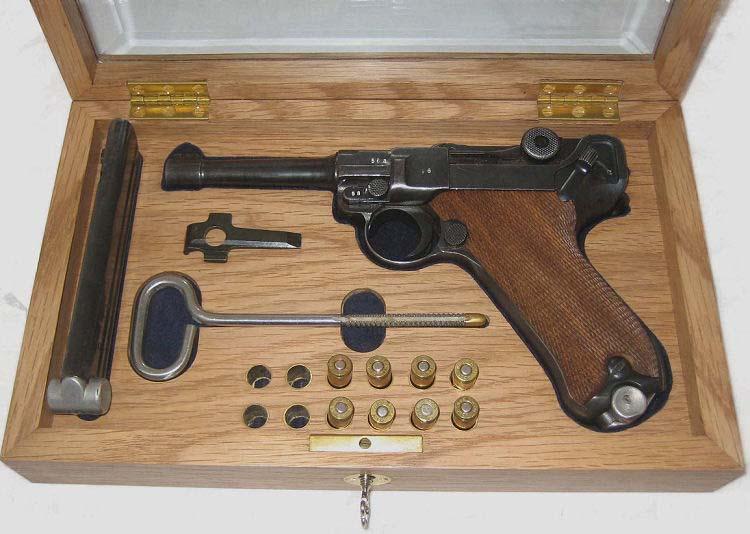 CMR Classic Firearms :: Luger Pistol Parabellum Display Case Ref.#O1E